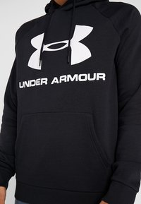 Under Armour - RIVAL SPORTSTYLE LOGO HOODIE - Hoodie - black/white - 5