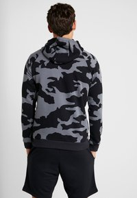 Under Armour - RIVAL CAMO HOODY - Hoodie - pitch gray/black - 2