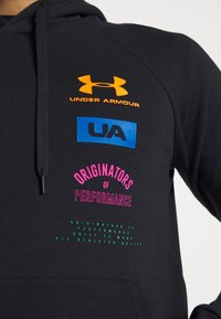 Under Armour - RIVAL ORIGINATORS HOODIE - Hoodie - black/orange spark