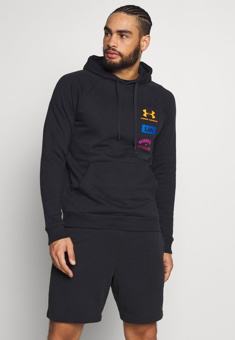 Under Armour - RIVAL ORIGINATORS HOODIE - Jersey con capucha - black/orange spark