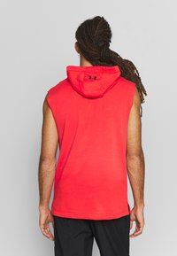 Under Armour - PROJECT ROCK HOODIE - Mikina skapucí - versa red/black - 2