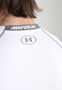 Under Armour - COMP - Sports shirt - weiß/grau - 6