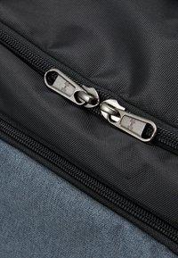 Under Armour - UNDENIABLE DUFFLE - Sportovní taška - black - 6