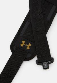 Under Armour - UNDENIABLE DUFFLE - Sportovní taška - black - 5