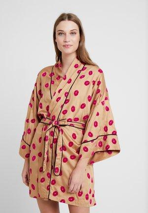 LOLA KIMONO - Dressing gown - camel