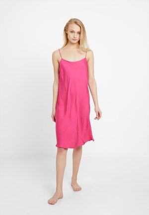 SAGA DRESS - Nightie - pink