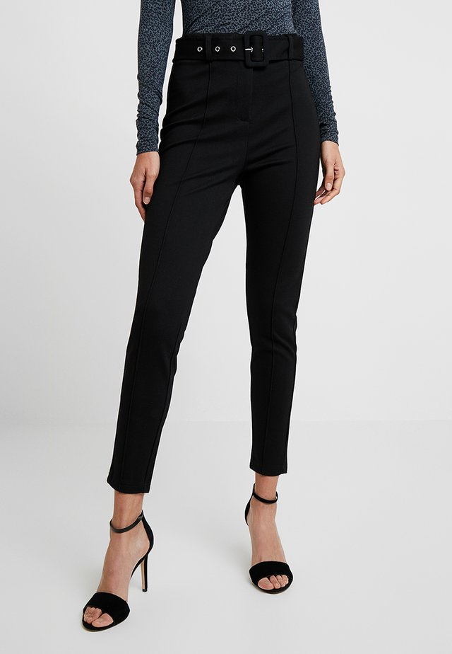TAILORED TROUSER WITH BELT - Kalhoty - black