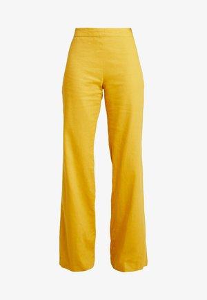 WIDE LEG TROUSERS - Kalhoty - mustard