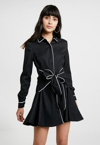 UNIQUE 21 - DRESS WITH CONTRAST BINDING AND BOW TIE WAIST - Robe chemise - black - 0