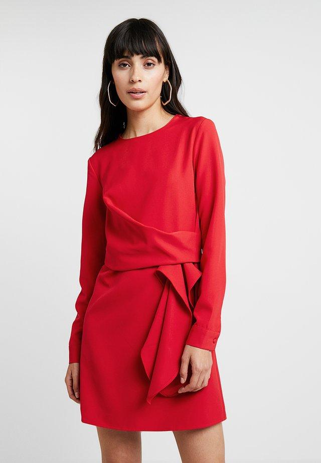 LONG SLEEVE DRESS TIE - Vapaa-ajan mekko - red