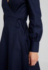UNIQUE 21 - TAILORED WRAP DRESS - Robe d'été - blue - 5