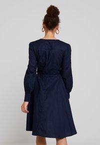 UNIQUE 21 - TAILORED WRAP DRESS - Robe d'été - blue - 2