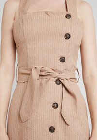 UNIQUE 21 - BUTTON FRONT MIDI DRESS - Abito a camicia - camel - 6