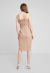 UNIQUE 21 - BUTTON FRONT MIDI DRESS - Blousejurk - camel