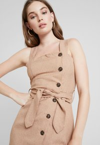 UNIQUE 21 - BUTTON FRONT MIDI DRESS - Abito a camicia - camel - 4