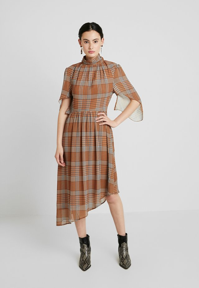 HIGH NECK DRESS WITH DRAPE SLEEVE IN CHECK PRINT - Day dress - mustard