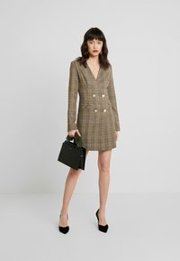 UNIQUE 21 - TAILORED IN CHECK - Shirt dress - tan - 2