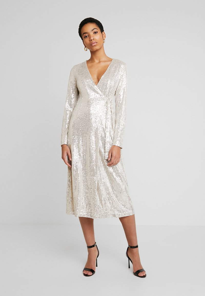 UNIQUE 21 - SEQUIN WRAP DRESS WITH BELT - Cocktailjurk - brushed silver