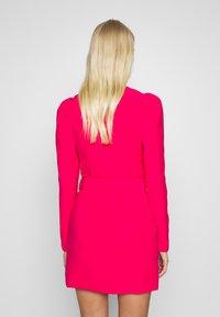 UNIQUE 21 - WOVEN PUFF SLEEVE BELTED BLAZER DRESS - Kjole - pink - 2