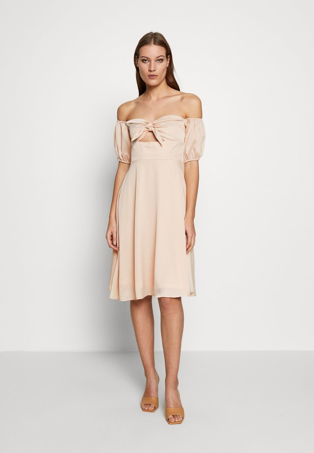 CHECK TIE FRONT BARDOT MIDI DRESS - Freizeitkleid - beige