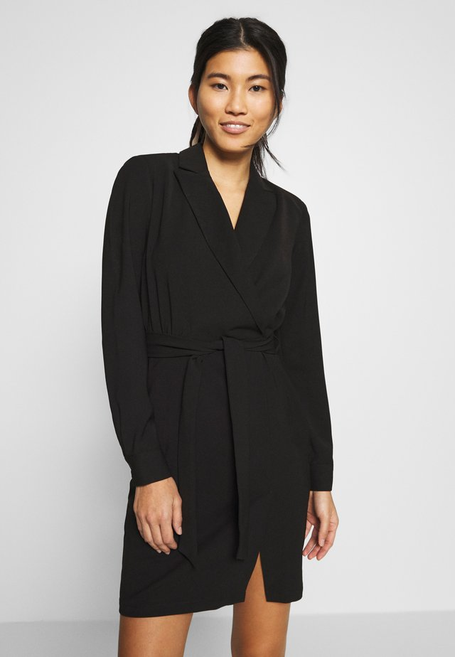 BELTED TAILORED DRESS - Vestito estivo - black
