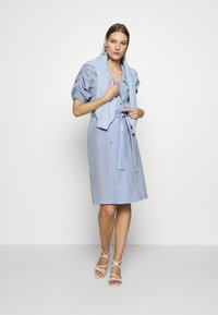 UNIQUE 21 - VINTAGE TAILORED PUFF SLEEVE BLAZER DRESS - Korte jurk - blue - 1