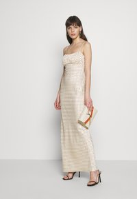 UNIQUE 21 - LUXE DOT RUCHED CAMI DRESS - Maxi šaty - champagne polka - 1