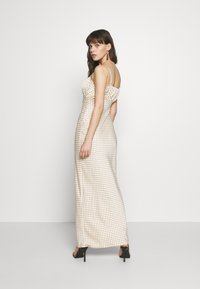 UNIQUE 21 - LUXE DOT RUCHED CAMI DRESS - Maxi šaty - champagne polka - 2