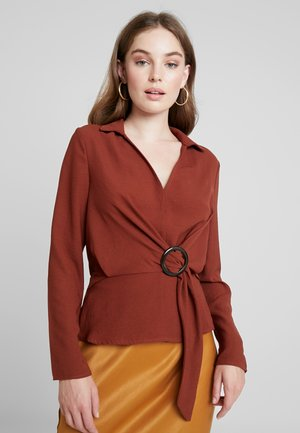 BUCKLE TIE FRONT - Blouse - brown