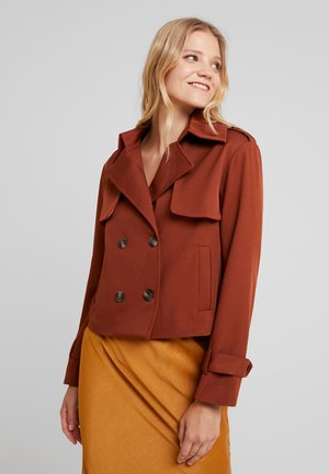 HEAVY SHORT TRENCH COAT - Summer jacket - rust