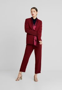 UNIQUE 21 - TAILORED WITH FRONT TIE DETAIL - Blazer - blush