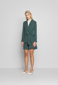 UNIQUE 21 - PEACOCK TIE-SIDE - Blazer - green - 1