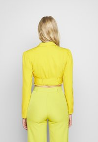 UNIQUE 21 - CHARTREUSE BELTED CROP - Blazer - charreuse