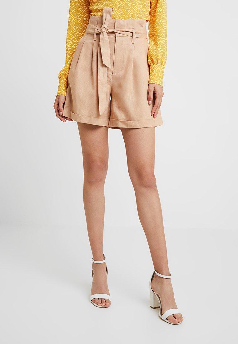 UNIQUE 21 - WITH BELT - Shorts - beige