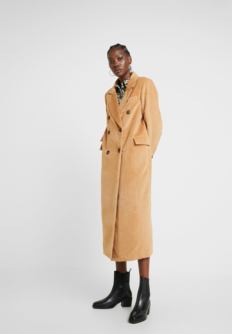 UNIQUE 21 - DOUBLE BREASTED - Classic coat - camel
