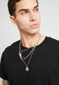 Uncommon Souls - LAYERED CHAIN - Necklace - silver-coloured