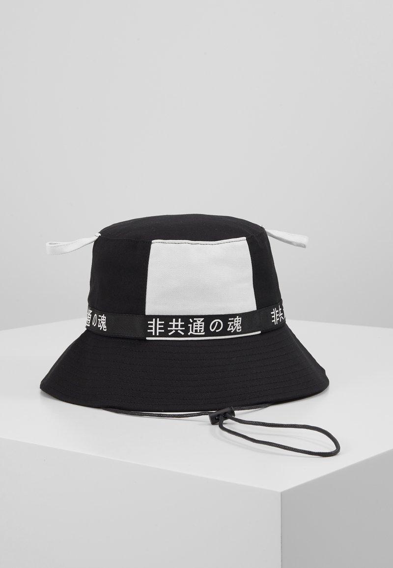 Uncommon Souls - BUCKET - Hat - black