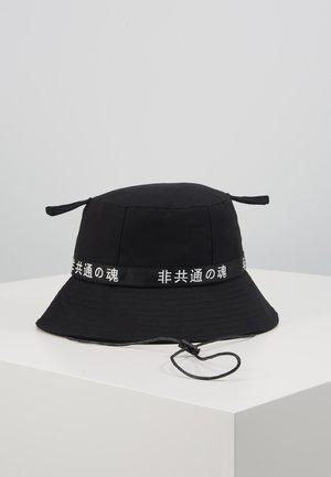LOGO BUCKET HAT - Hatt - black/black