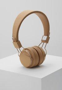 Urbanears - PLATTAN 2 BLUETOOTH - Høretelefoner - paper beige - 0