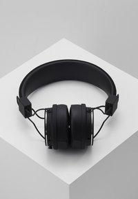 Urbanears - PLATTAN 2 BLUETOOTH - Headphones - black - 2