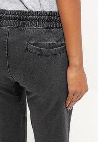 Urban Classics - Pantalones deportivos - darkgrey - 5
