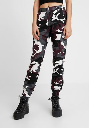 LADIES HIGH WAIST CAMO CARGO PANTS - Pantaloni - wine