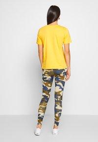 Urban Classics - HIGHWAIST CAMO TECH - Leggings - Trousers - summerolive - 2