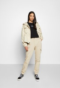 Urban Classics - LADIES HIGH WAIST CARGO - Kapsáče - concrete - 1