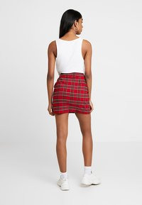 Urban Classics - LADIES SHORT CHECKER SKIRT - Minijupe - red/black