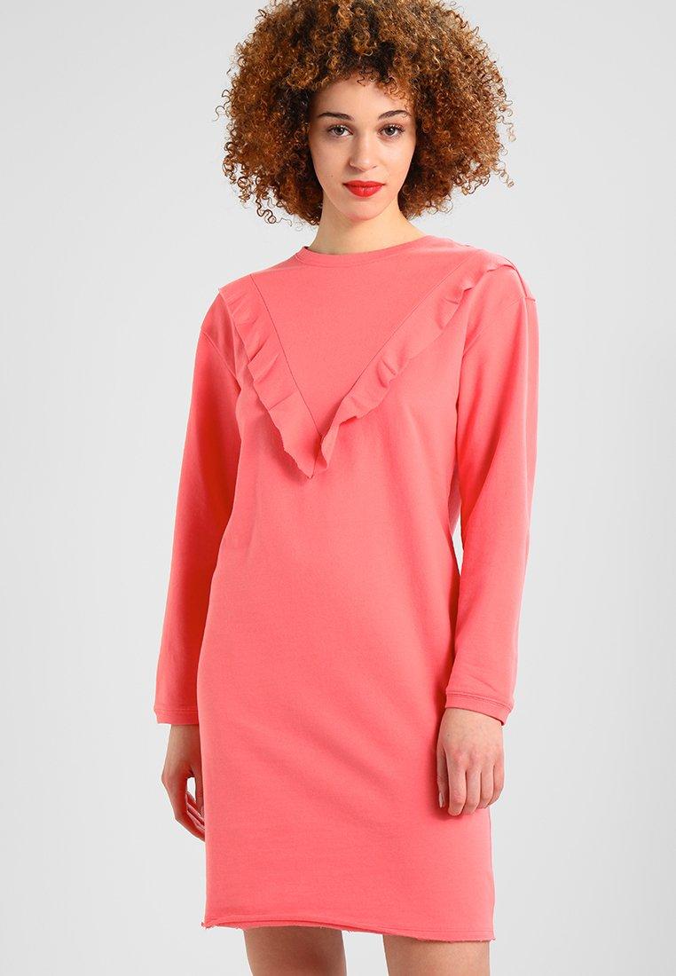 Urban Classics - LADIES TERRY VOLANT DRESS - Freizeitkleid - coral