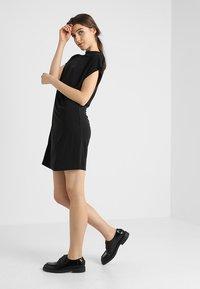 Urban Classics - LADIES DRESS - Jerseyjurk - black - 2