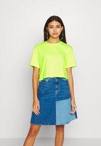 Urban Classics - LADIES SHORT OVERSIZED NEON TEE 2 PACK - T-shirt print - electriclime/black - 2