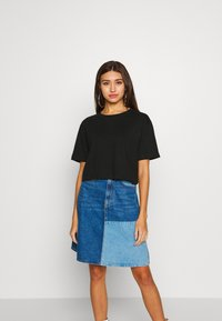 Urban Classics - LADIES SHORT OVERSIZED NEON TEE 2 PACK - T-shirt print - electriclime/black - 4