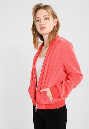 LADIES SHORT PLEATED BLOUSON - Bomberjacks - coral